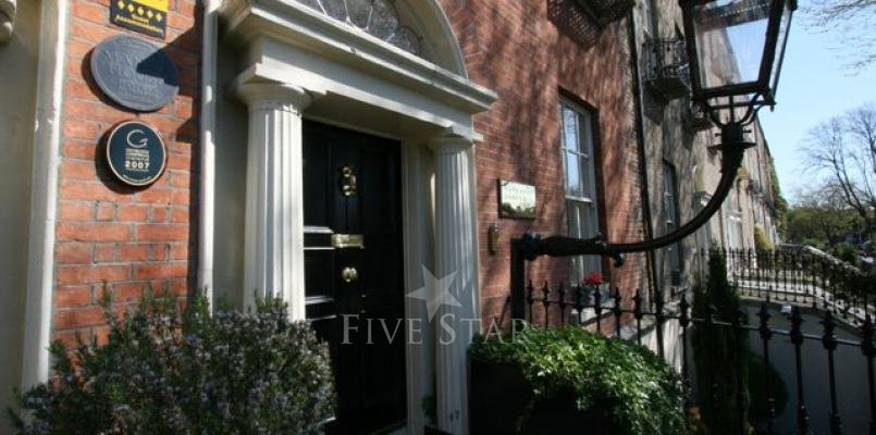 Pembroke Townhouse photo 1