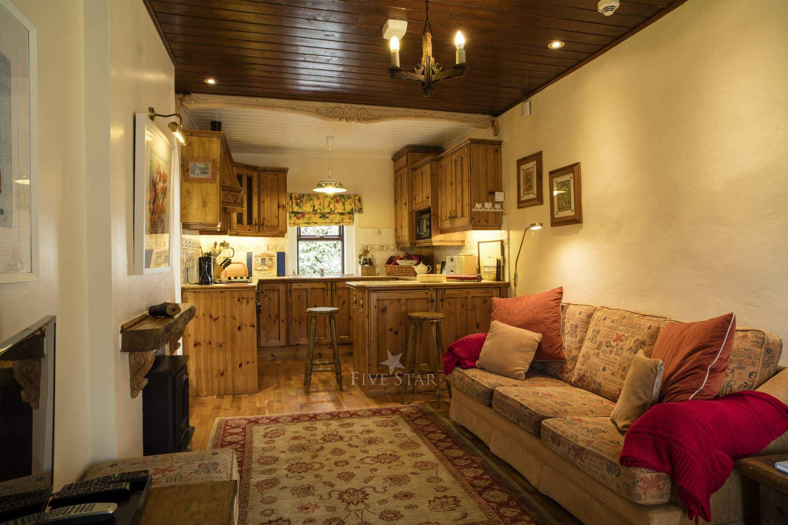 Honeymoon Cottage ~ Lounge & Kitchen