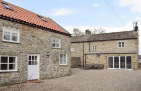 Photo of Peartree Cottage & Granary