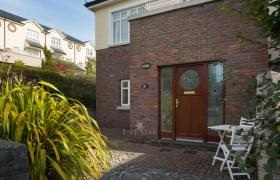 Photo of Lux Salthill Townhouse