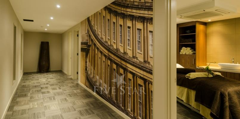 The Royal Crescent photo 18