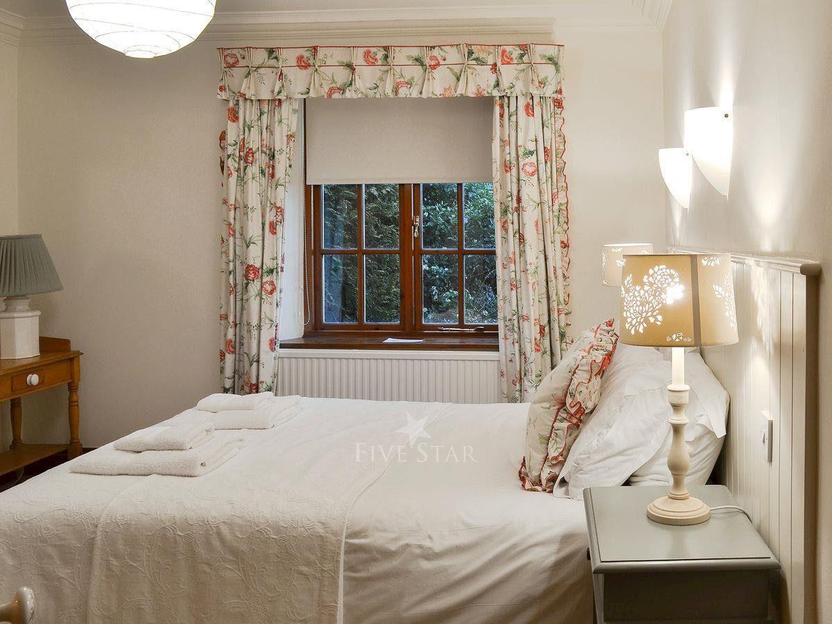 Thorpe Hall - Corner Cottage photo 10