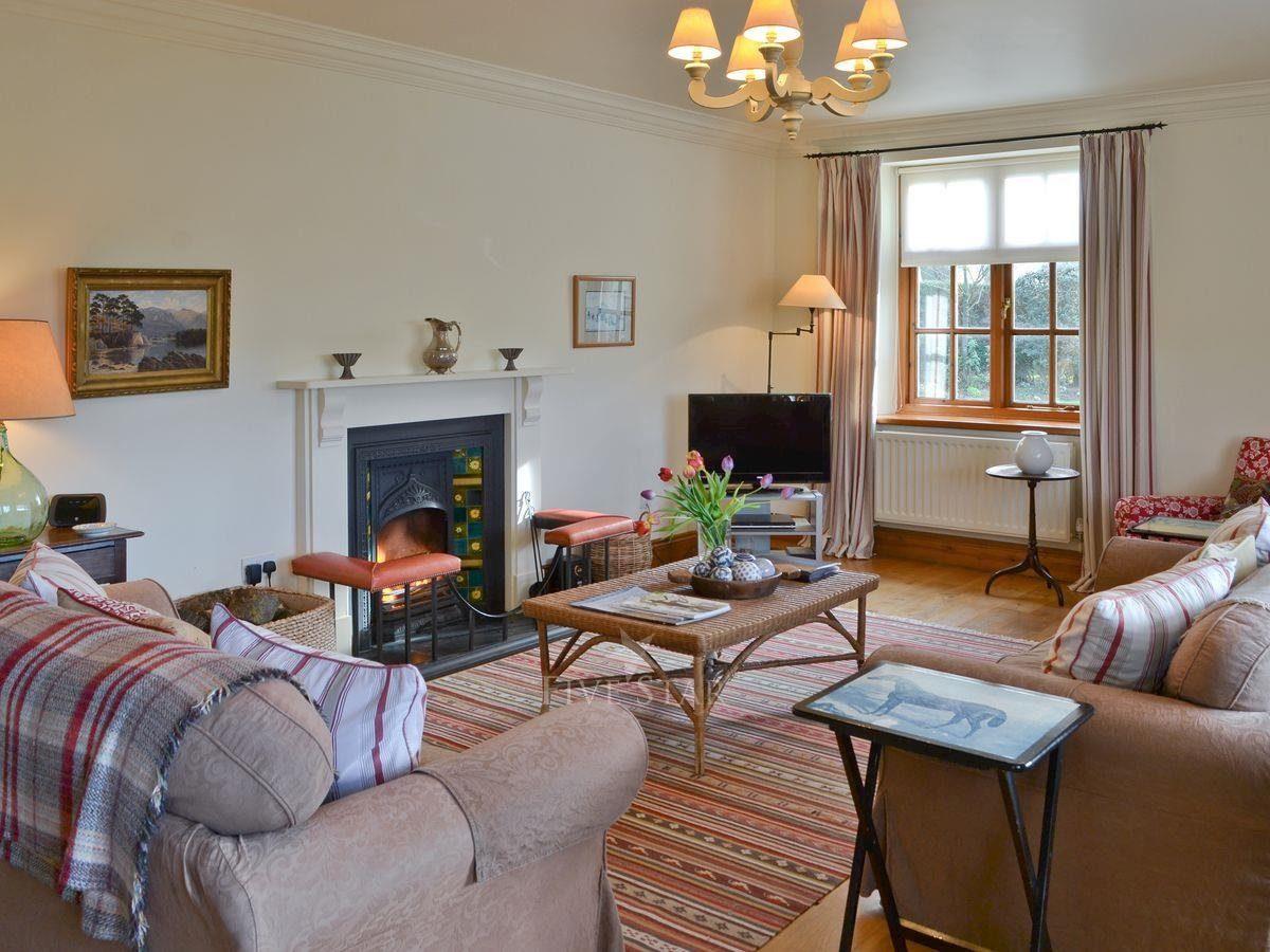 Thorpe Hall - Corner Cottage photo 2