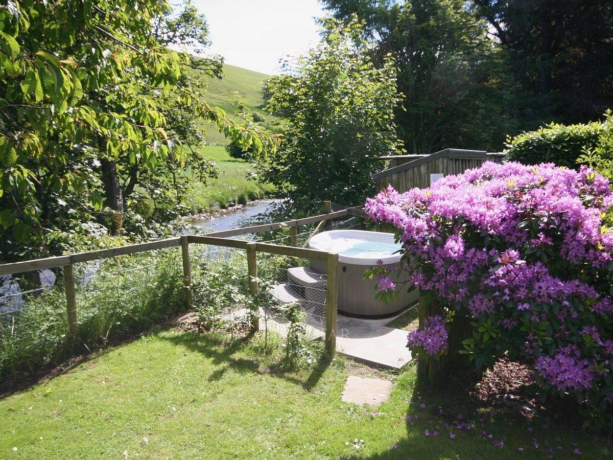 Brewlands Estate - Brewlands Cottage photo 7