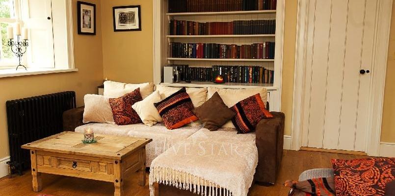 Luxury Period Residence photo 9