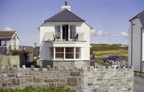 Photo of Porth House Beach Cottage