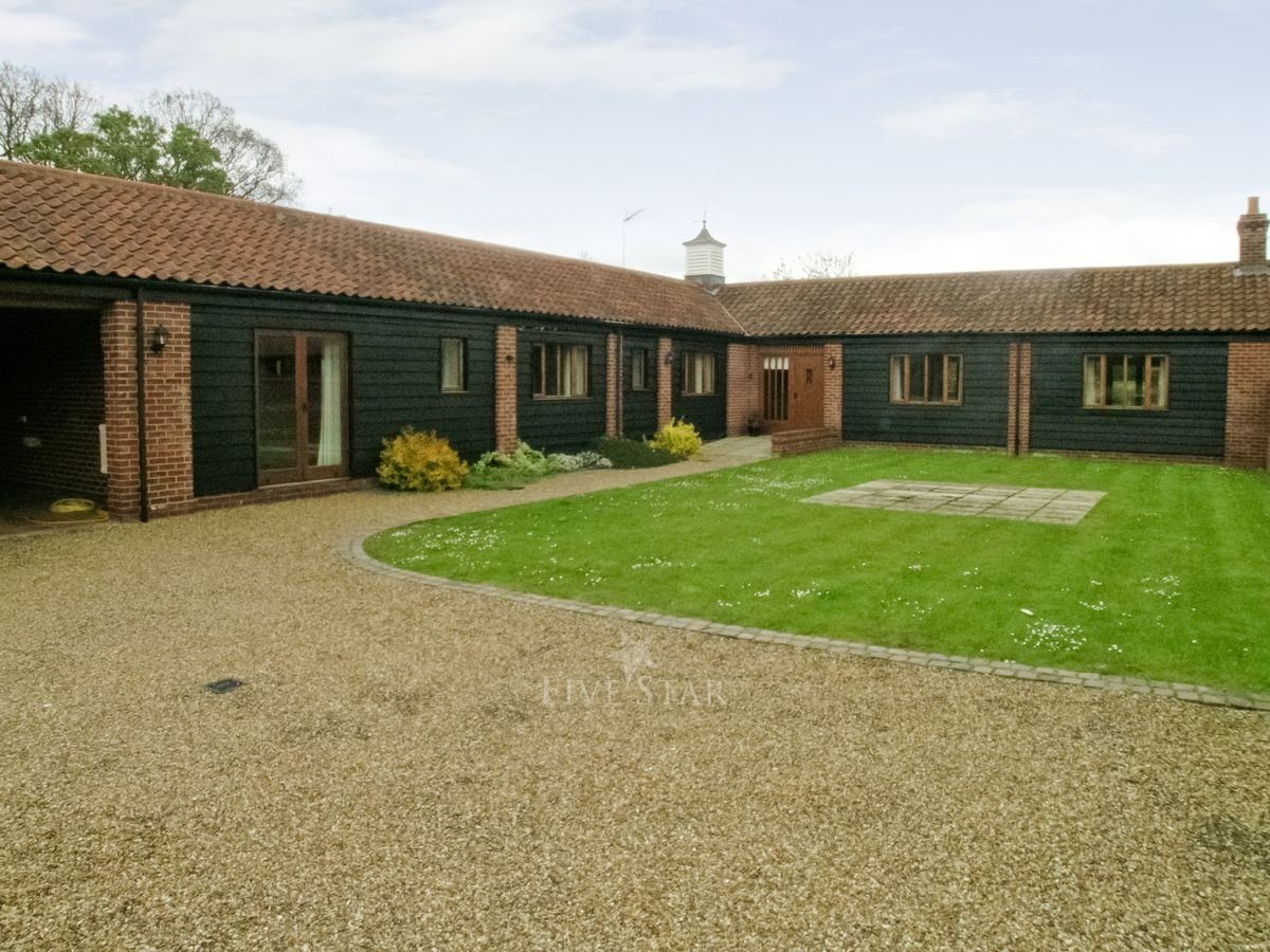 Beech barn star self catering neatishead fivestar ie