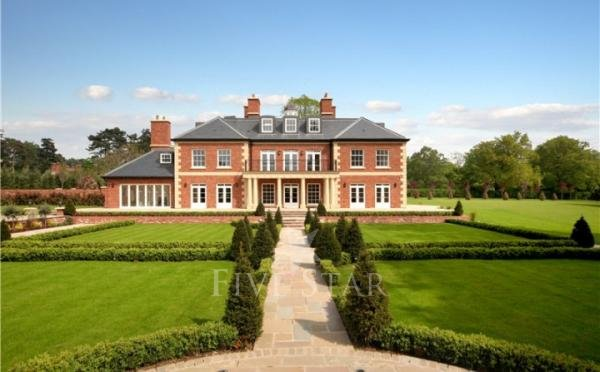 Bishopsheath five star luxury house for sale egham for Luxury homes for sale ireland