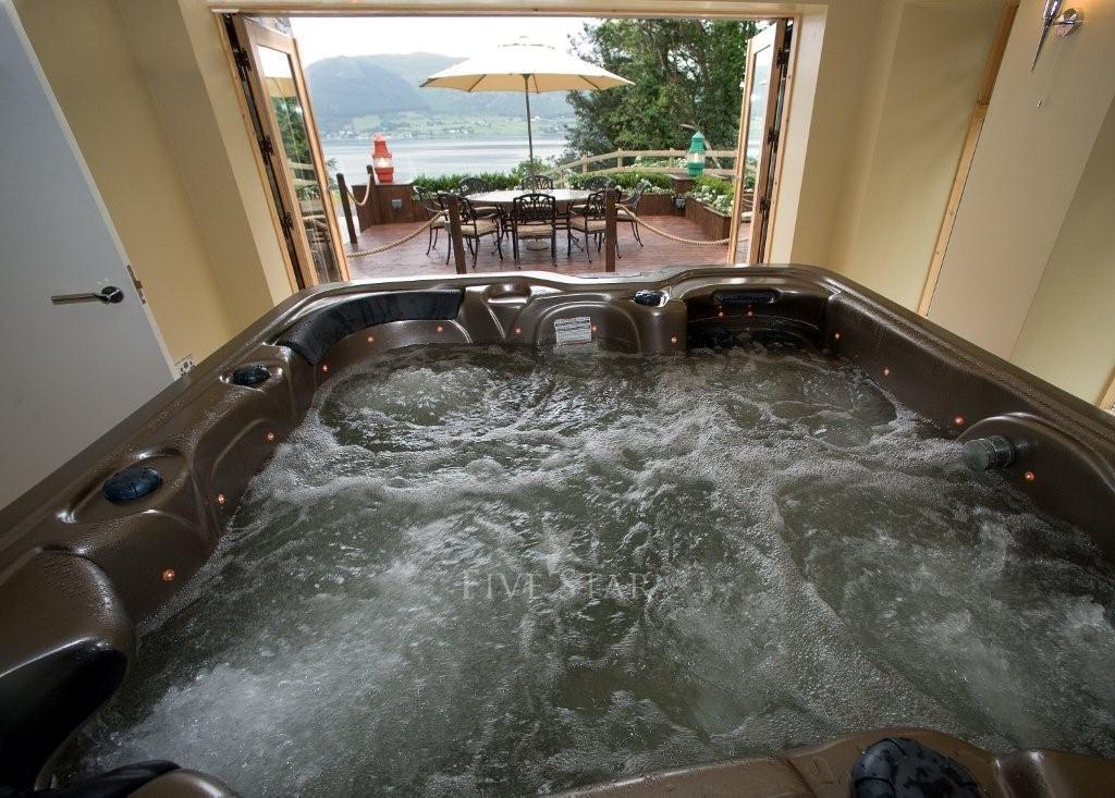 Luxury Lake Villa photo 12
