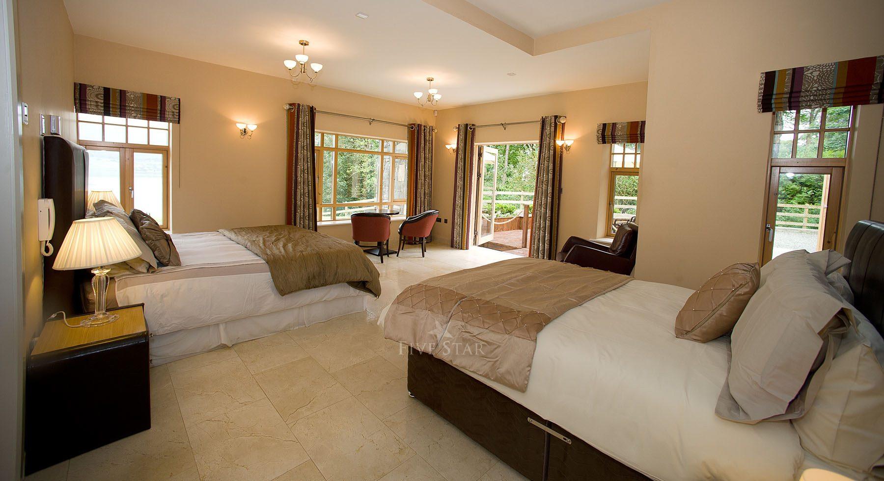Luxury Lake Villa photo 32