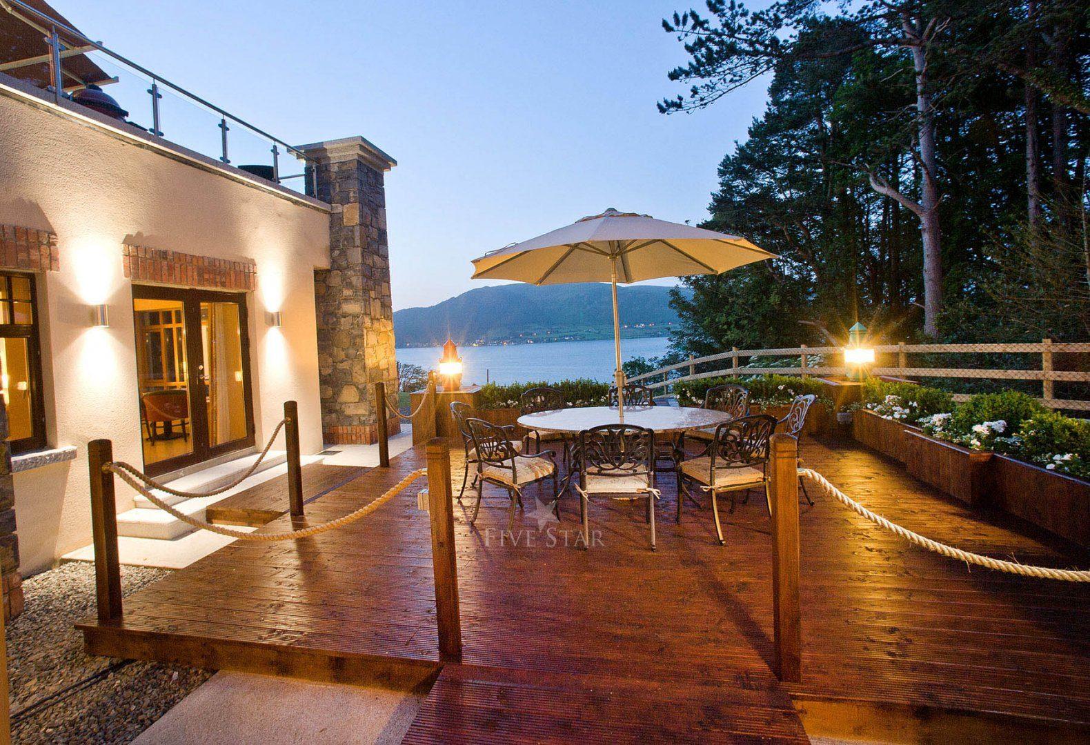 Luxury Lake Villa photo 7