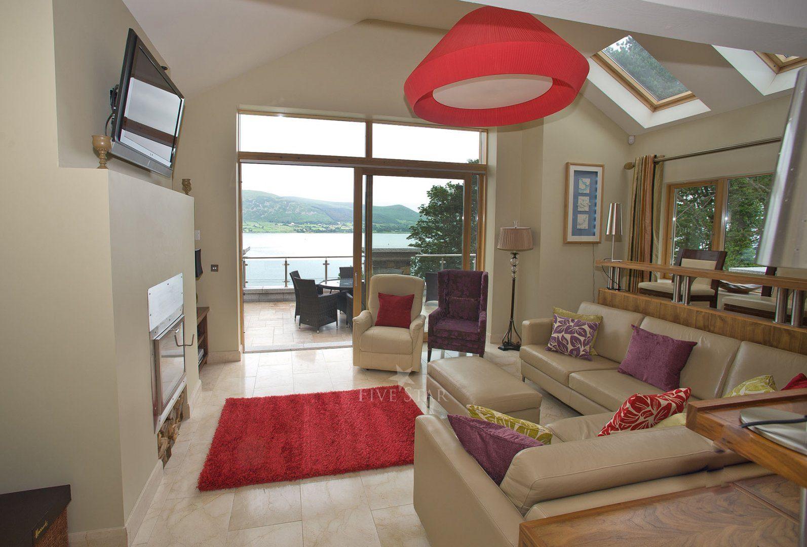 Luxury Lake Villa photo 24