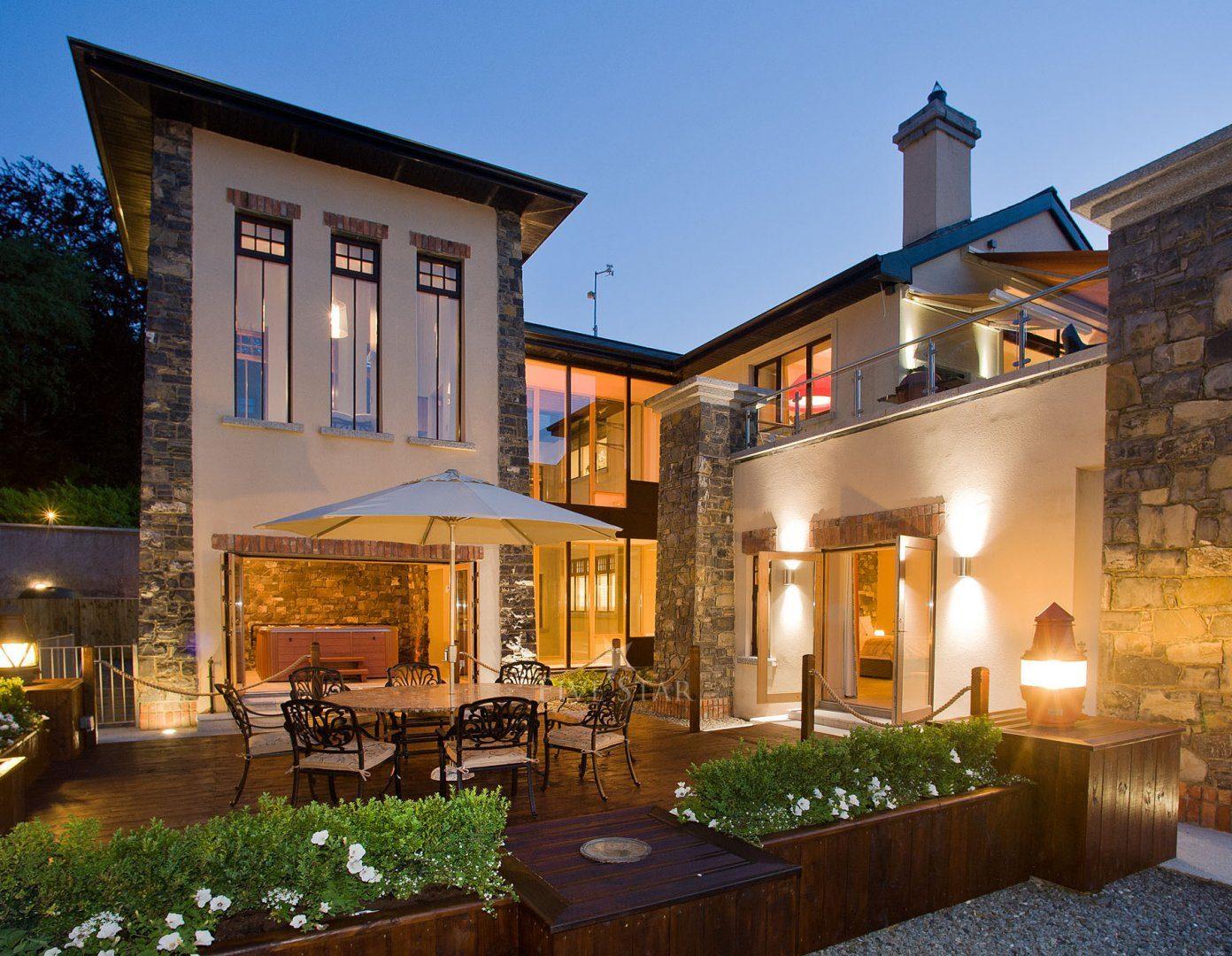 Luxury Lake Villa photo 2