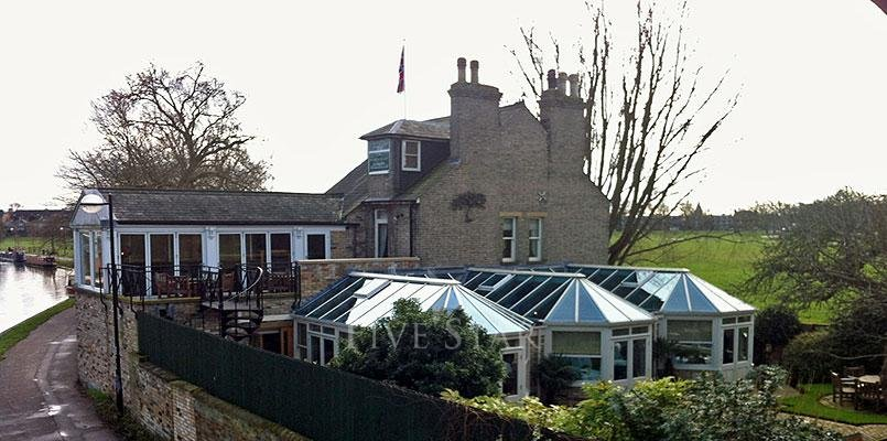 Midsummer House photo 1
