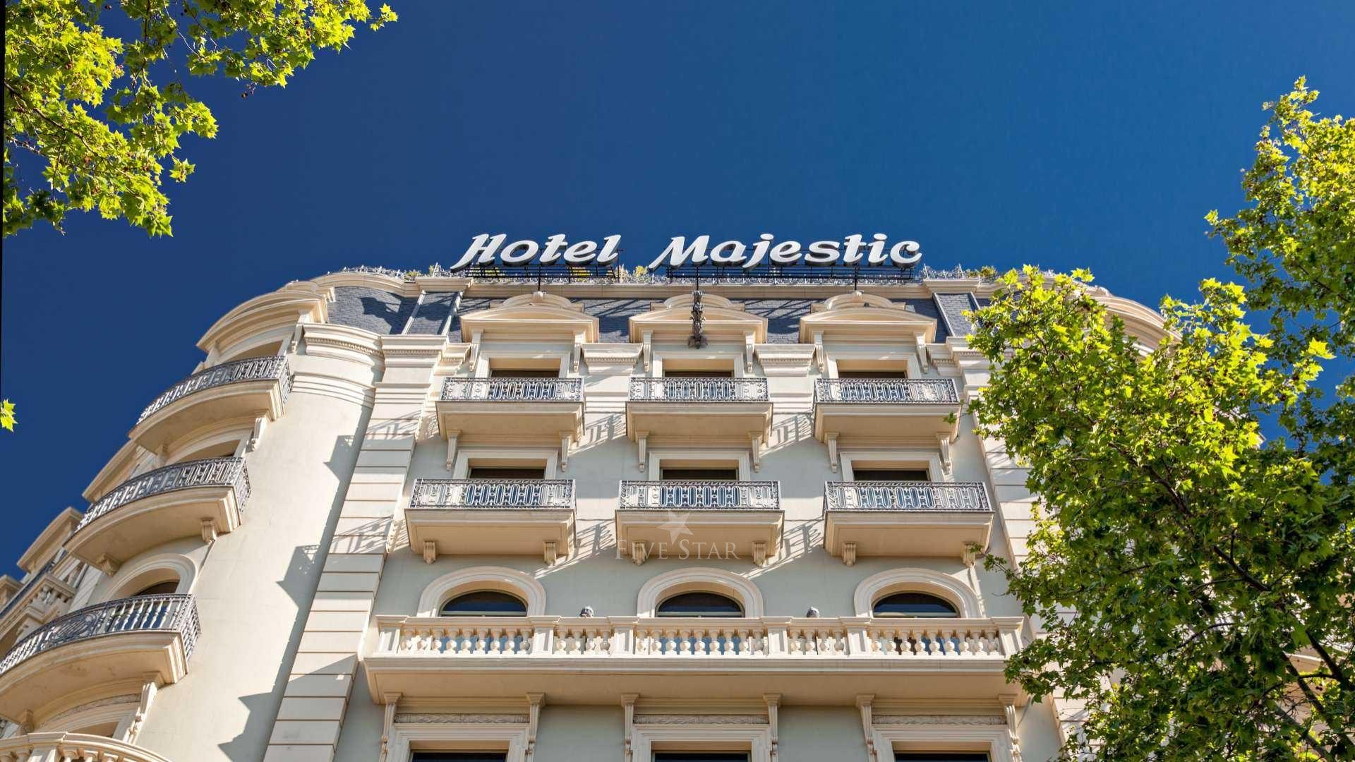 Majestic Hotel photo 2