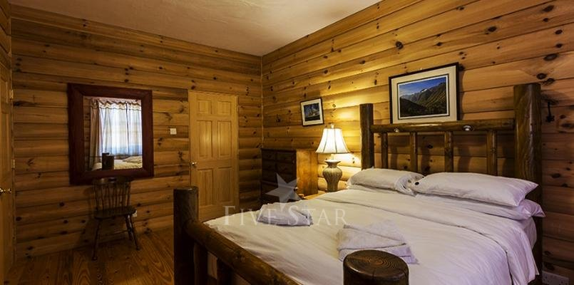 Luxury Log Cabin photo 8