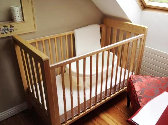wooden cot for babies up to 2-3 years old