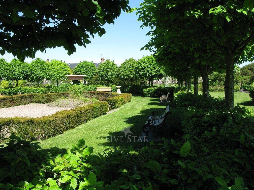 The Archways Larchfield Estate photo 15