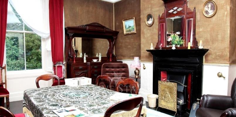 Elegant Period Home photo 4