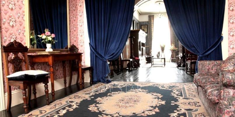 Elegant Period Home photo 3