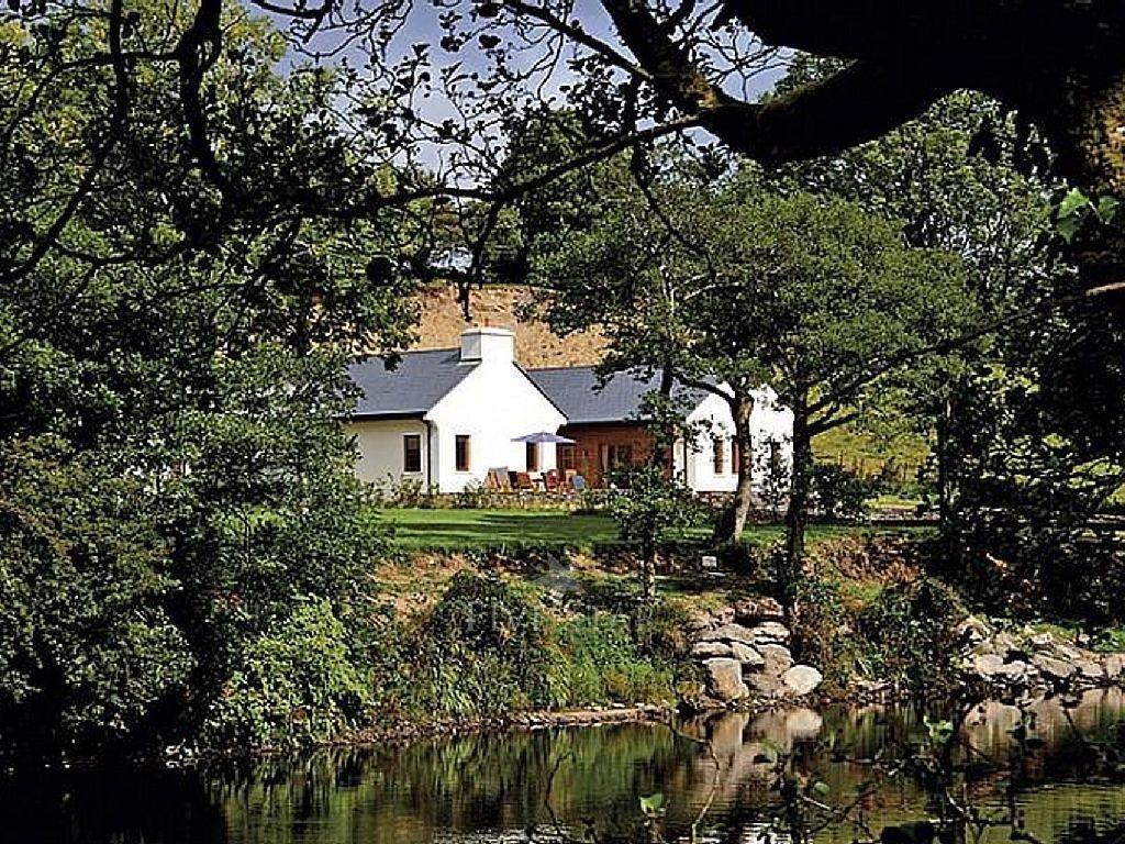 Rivers Edge Lodge photo 1