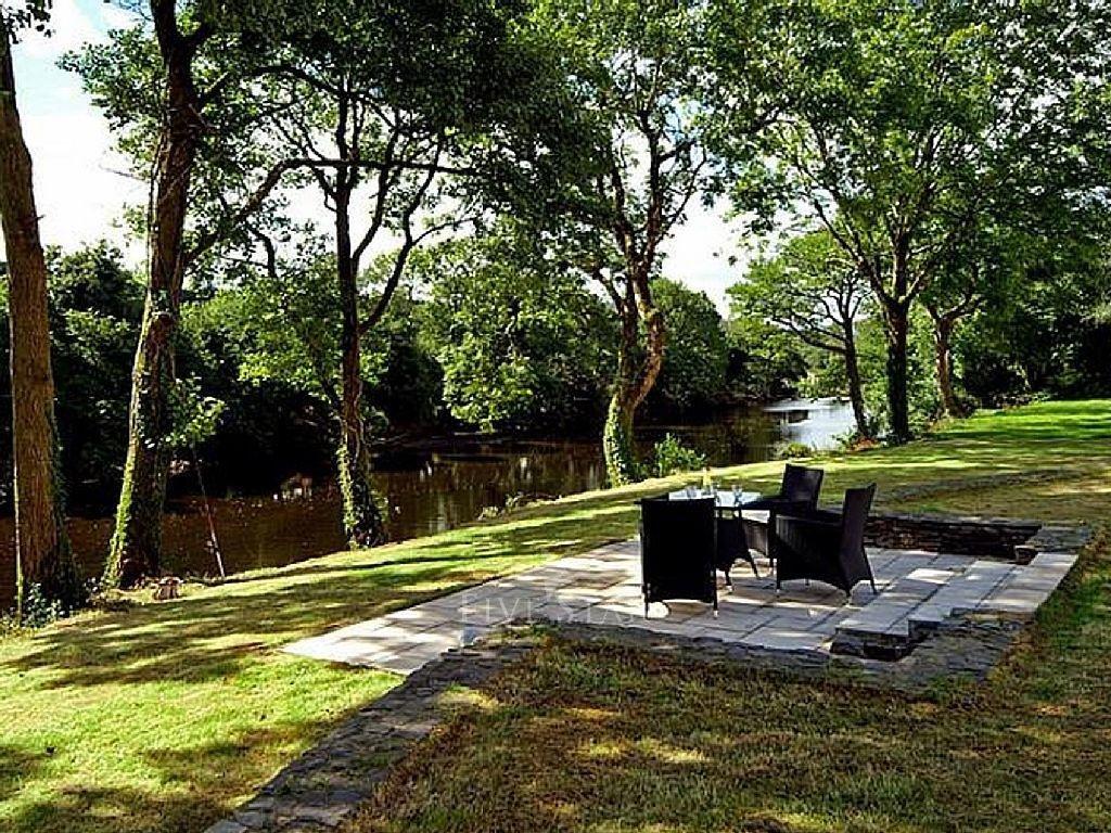 Rivers Edge Lodge photo 2