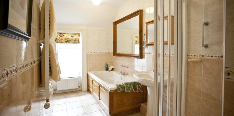 Rose Cottage ~ Bathroom