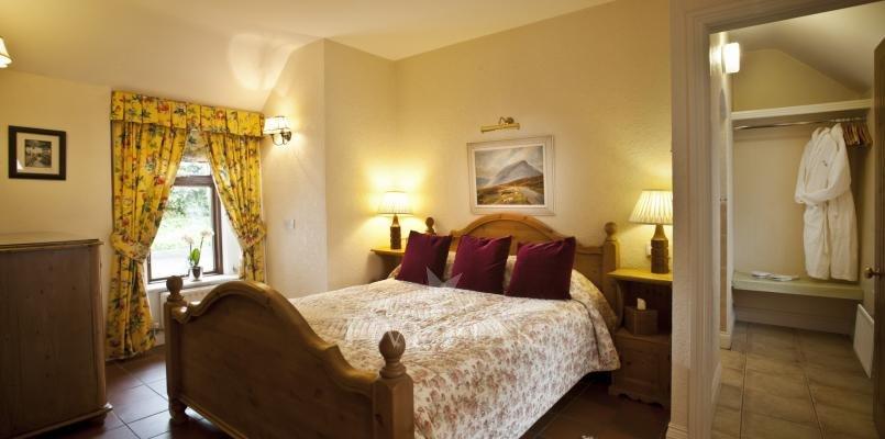 Rose Cottage ~ Bedroom