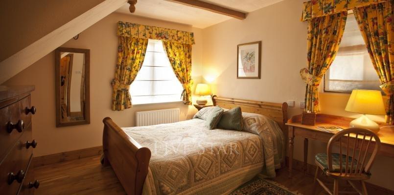 Garden Cottage ~ Bedroom