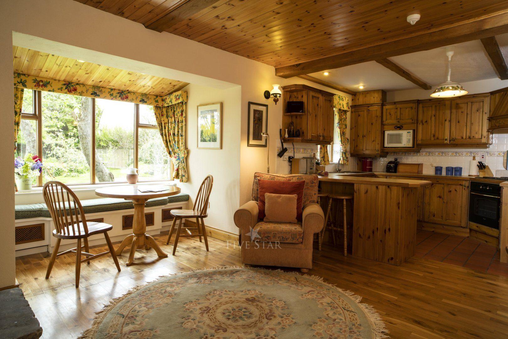 Garden Cottage ~ Lounge