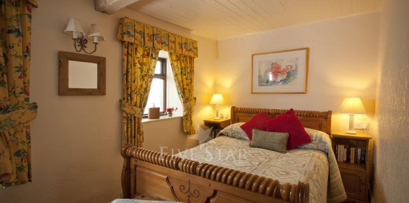 Honeymoon Cottage ~ Bedroom