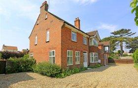 5-Star Luxury Accommodation in Suffolk, England - Fivestar