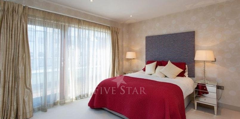 Luxury Modern Apartment photo 14