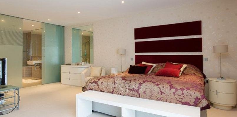 Luxury Modern Apartment photo 15