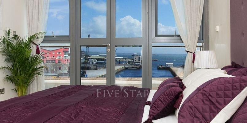 Luxury Penthouse Photo 15