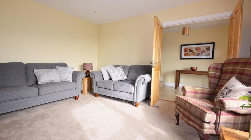 Ceann Scribe - Beautifully big 5 bedroom home in Dingle! photo 9