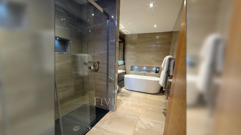 Luxury Hotel Suite photo 10