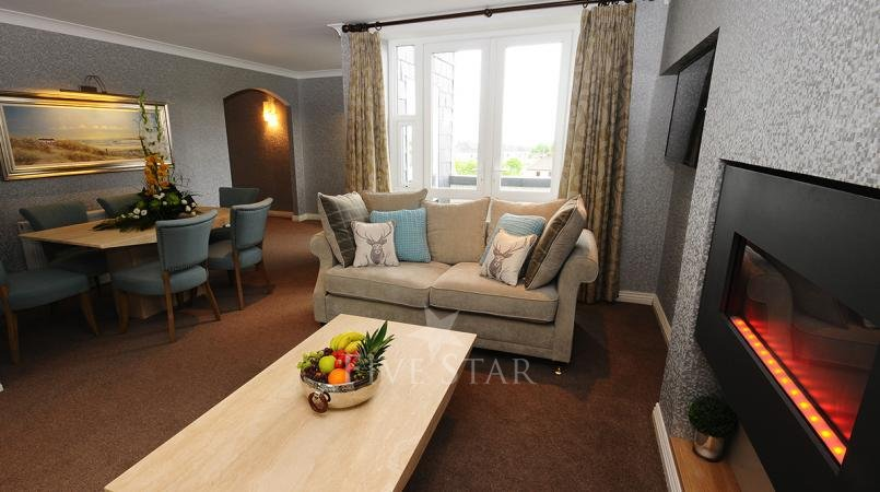 Luxury Hotel Suite photo 3