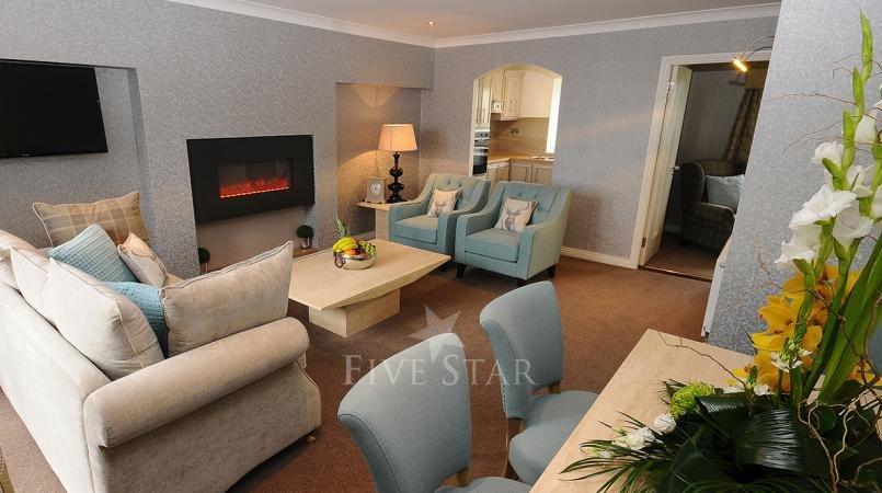 Luxury Hotel Suite photo 2