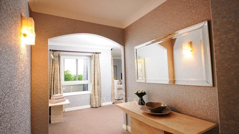 Luxury Hotel Suite photo 6