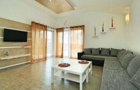 Photo of Holiday home Umag-Jurcanija