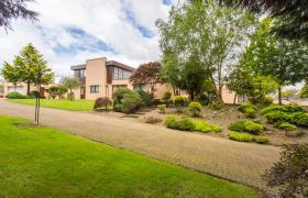 Photo of Luxury Villa Strabane