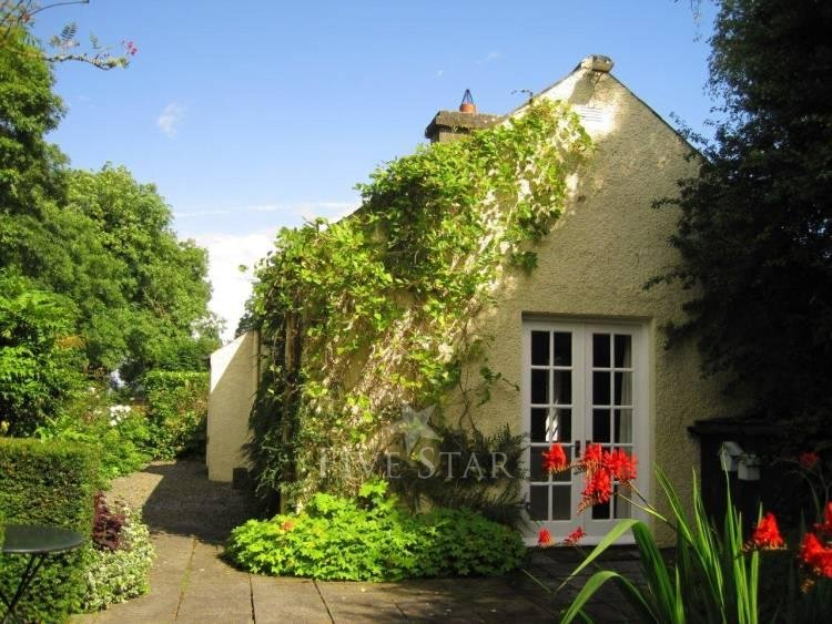 Romantic Gate Lodge photo 10