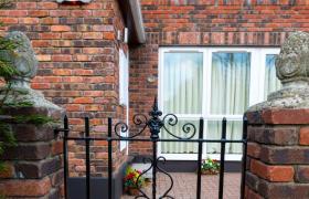 Shrewsbury Park Apartment