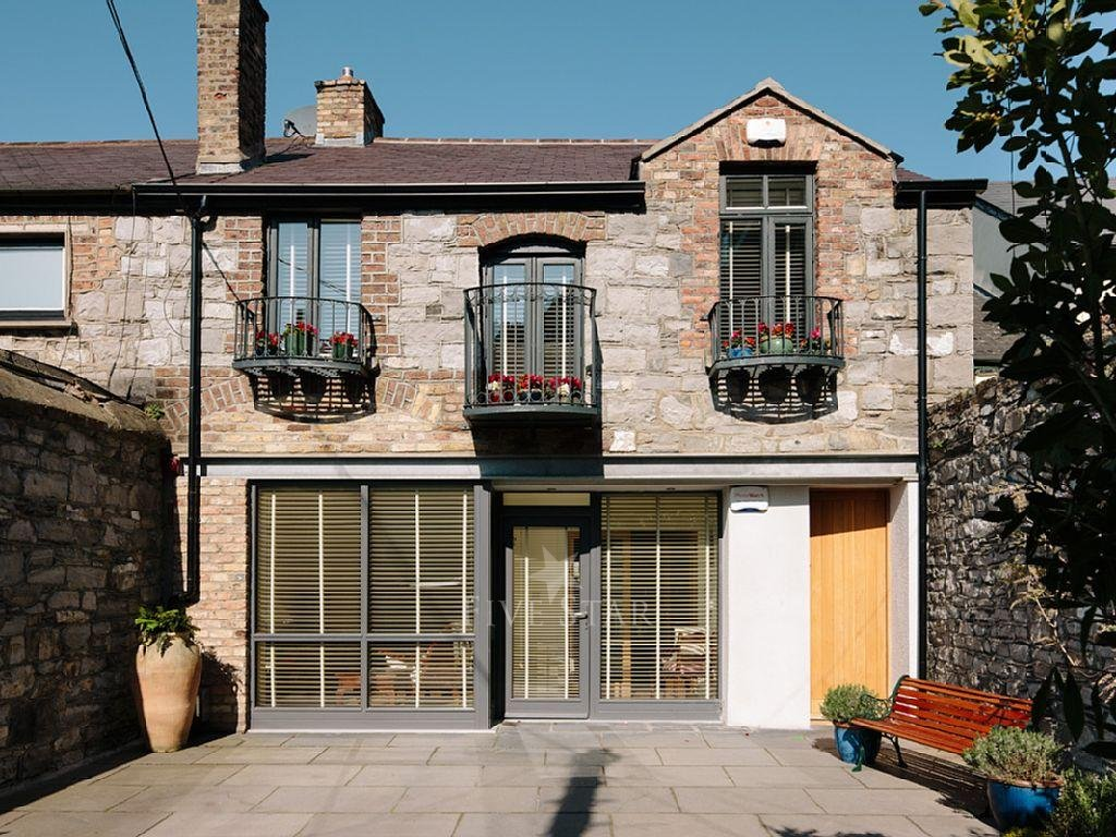 Deluxe Three Bed Mews photo 1