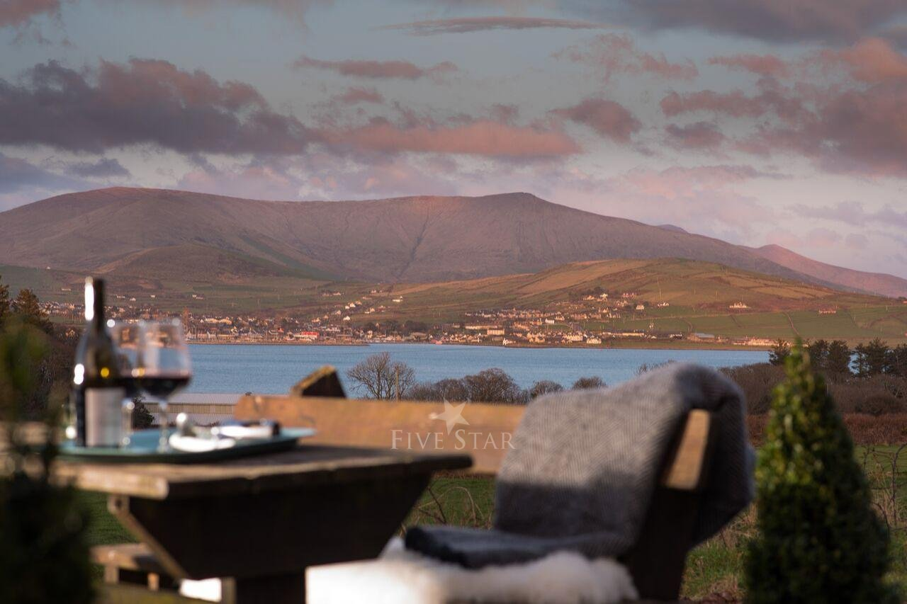 Tigh Thor - BEST SELLER! Overlooking the Dingle Harbour photo 4