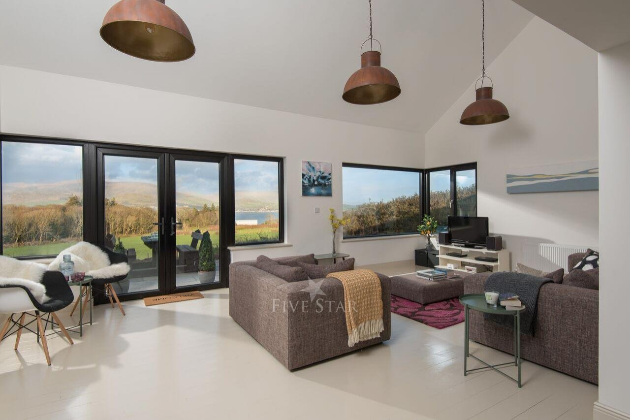 Tigh Thor - BEST SELLER! Overlooking the Dingle Harbour photo 9