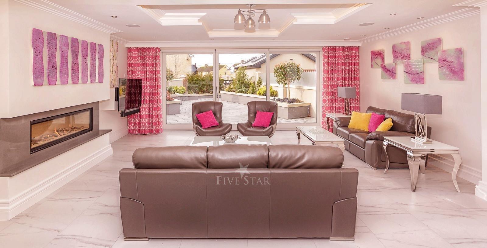 Luxquisite 5-Star Killarney Residence photo 20
