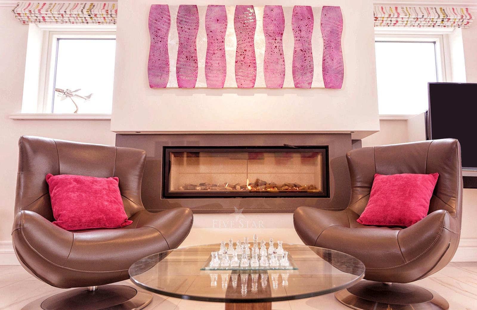 Luxquisite 5-Star Killarney Residence photo 19