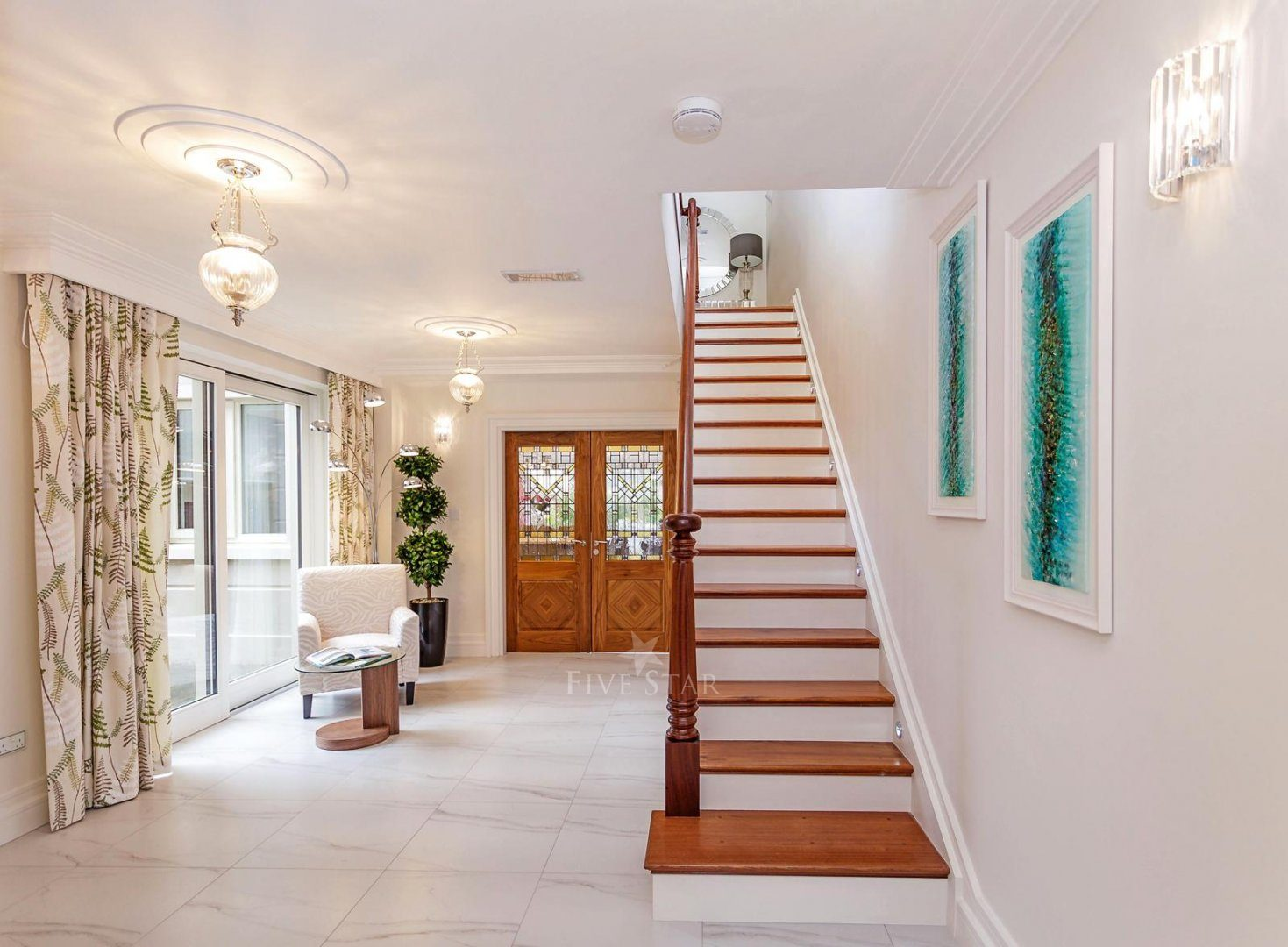 Luxquisite 5-Star Killarney Residence photo 9